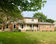 54424 Iroquois Ln, Shelby Twp image