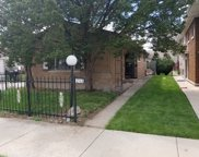 9242 South Phillips Avenue, Chicago image