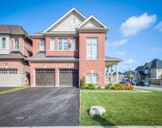 46 Walter English Dr Unit Rd., East Gwillimbury image