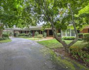 102 W Round Hill Road, Greenville image