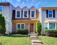 10255 Colony View Dr, Fairfax image