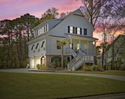 2705 Fountainhead Way, Mount Pleasant image