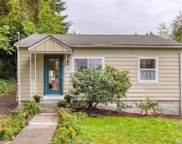 827 NE 105th St, Seattle image
