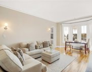3 Tanglewylde  Avenue Unit #5D, Bronxville image