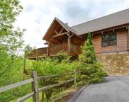 521 Deer Path Ln, Gatlinburg image
