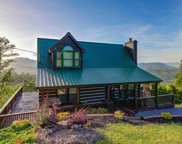 3933 Glenview Way, Sevierville image