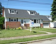 604 Irving Pl, East Meadow image