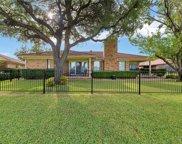 808 Havenwood Lane S, Fort Worth image
