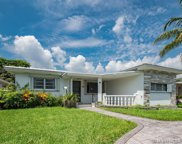 9556 Carlyle Ave, Surfside image