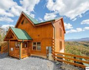4829 Highland Place Way, Sevierville image