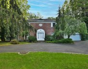 44 Bayview  Avenue, Great Neck image