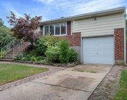 2510 Bayview Ave, Wantagh image