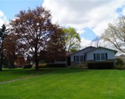 9 Brakenberry Road, Pittsford image