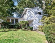 5 Cherrywood  Road, Scarsdale image