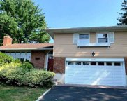 18 Fox Ridge Ln, Locust Valley image