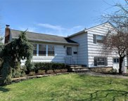 120 Farmers Ave, Bethpage image