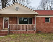 924 Diggs Court, Central Suffolk image
