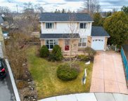 848 Governors Crt, Milton image