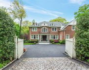 55 Dogwood Ave, Roslyn Harbor image