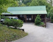 1044 Ravens Ford Way, Sevierville image