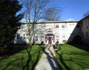 324 Post  Avenue Unit #11-D, Westbury image