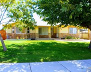 1743 Oswell, Bakersfield image