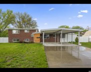 5247 S Woodcrest Dr E, Holladay image