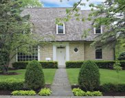 690 Greenview Place, Lake Forest image