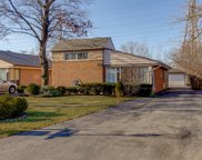 6718 North Kenneth Avenue, Lincolnwood image
