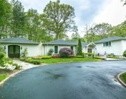 3 Stoneridge Ct, Muttontown image