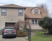 292 Greengrove Ave, Uniondale image