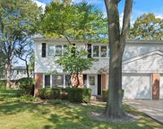 16 East Regency Court, Arlington Heights image