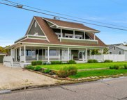 9 Laura Lee Dr, Center Moriches image