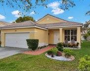 866 Briar Ridge Rd, Weston image