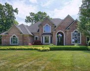7320 Forest Knoll Court, Washington Twp image