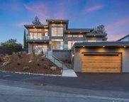 550 Lakeview Way, Redwood City image