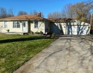 7685 Metz Dr, Shelby Twp image