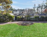2 Kings Dr, Old Westbury image
