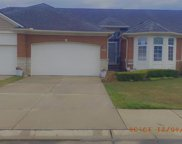 49150 Village Pointe Drive Dr N, Shelby Twp image