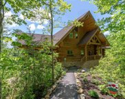 618 Big Bear Ridge Way, Gatlinburg image