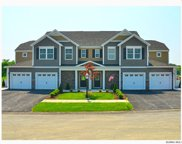 8 WHITAKER DR, Colonie image