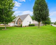 2842 Candlewicke Dr, Spring Hill image