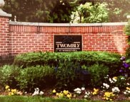 8 TWOMBLY CT, Morristown Town image