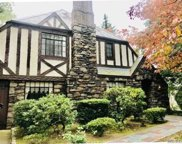 52 Rolling Hill Rd, Manhasset image
