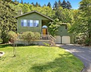 20254 37th Ave NE, Lake Forest Park image