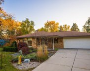 575 Rosedale Dr, Thiensville image