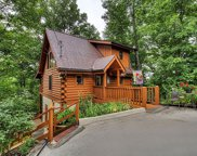 2869 Valley Springs Way, Sevierville image