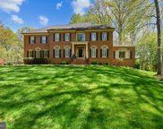 10284 Johns Hollow   Road, Vienna image
