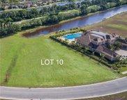 2822 Lake Ridge Ln, Weston image