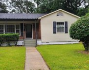 2767 Exter, Mobile image